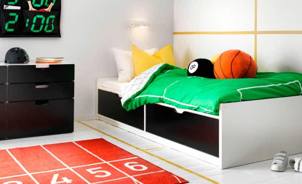 Las alfombras dan un toque personal al dormitorio.
