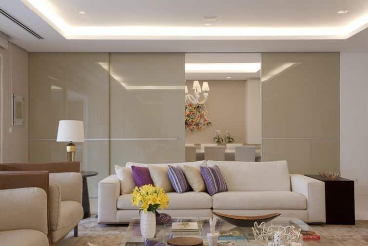La luz y ambiente es una de las principales ideas de decoración de salas de estar para 2020.